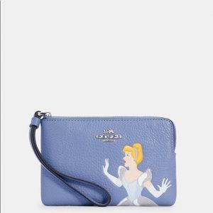 NWT Coach Cinderella Limited Edition Wristlet FIRM